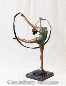 アールデコブロンズサッシュダンサーの置物のダンサー