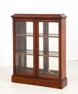 ビクトリア朝のディスプレイキャビネット艶出し本棚年頃1890