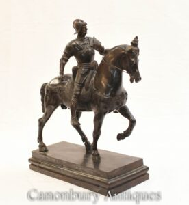 ブロンズローマの剣闘士の馬の像-古典ローマの古代