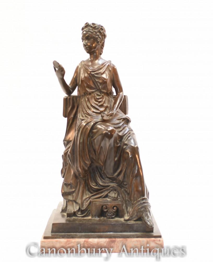 ローマの乙女の銅像-トーガクラッドの古典的な置物